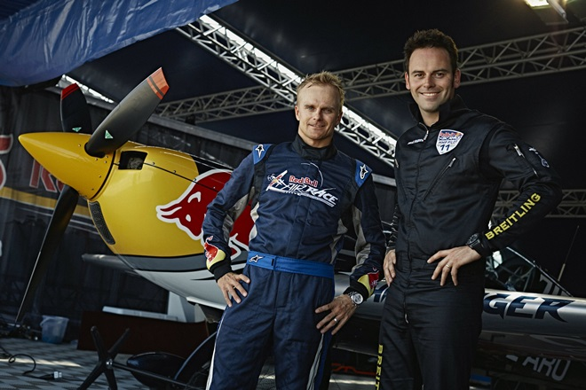 Хейкки Ковалайнен в «аэропорту» Red Bull Air Race