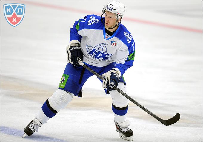 Денис Толпеко сменил синию форму на зеленую