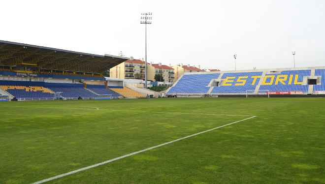 Скромный по размерам стадион «Эшторила» на 8 тысяч зрителей