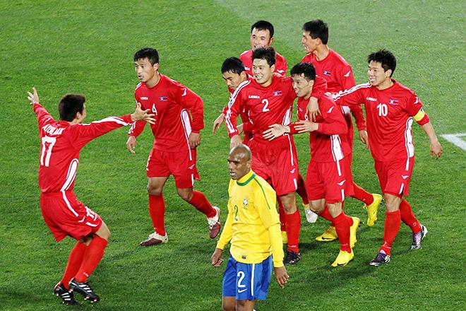 На ЧМ-2010 команда КНДР проиграла Бразилии со счётом 1:2