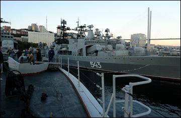 """Журналисты на большом противолодочном корабле """"Адмирал Трибуц"""""""