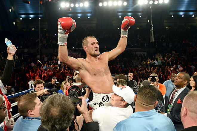 Ковалёв стал вторым после Кости Цзю отечественным объединённым чемпионом мира в профессиональном боксе
