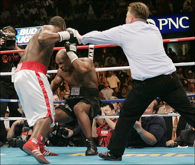 ...головой - приговор для боксёра, означающий его досрочное поражение.