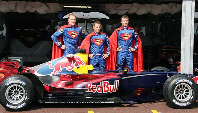 «Супермены»-гонщики и Red Bull RB2