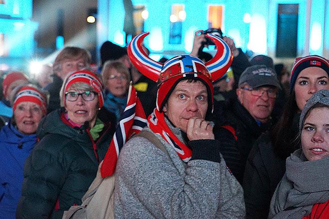 Норвежцы смотрели на происходящее с некоторым недоумением