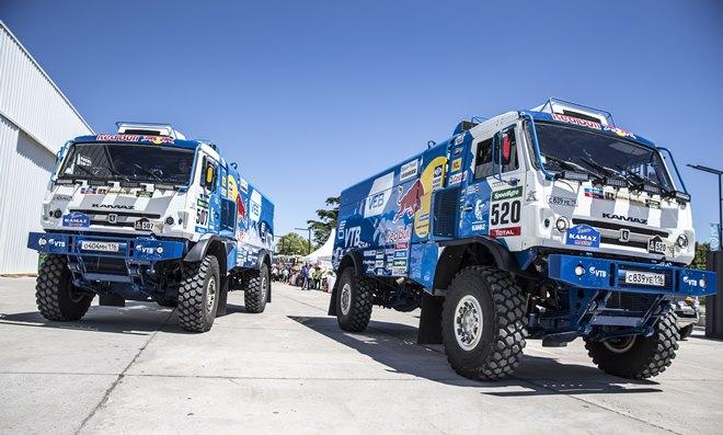 Грузовики «КАМАЗа» заняли три первых места на «Дакаре-2015»