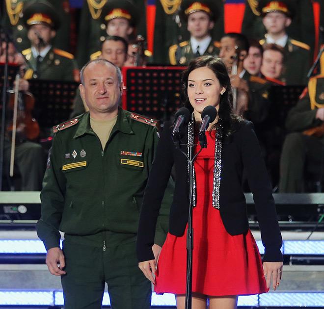 Аделина Сотникова и армия