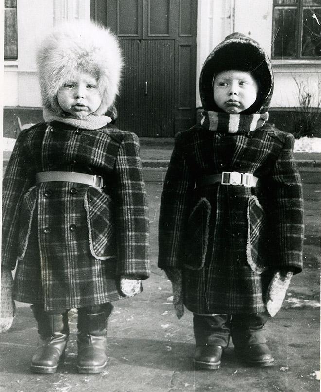 На улице в детские годы Березуцких было отличить элементарно — один был блондин, а другой — брюнет