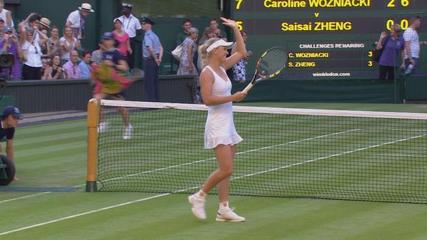 Каролина Возняцки в целом довольно убедительно провела стартовый матч на Уимблдоне.