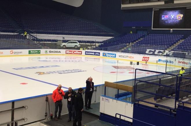 Борис Майоров на скамейке сборной России
