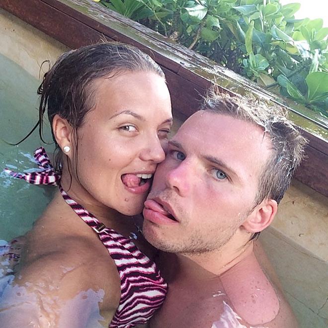 Роман Шишкин с супругой