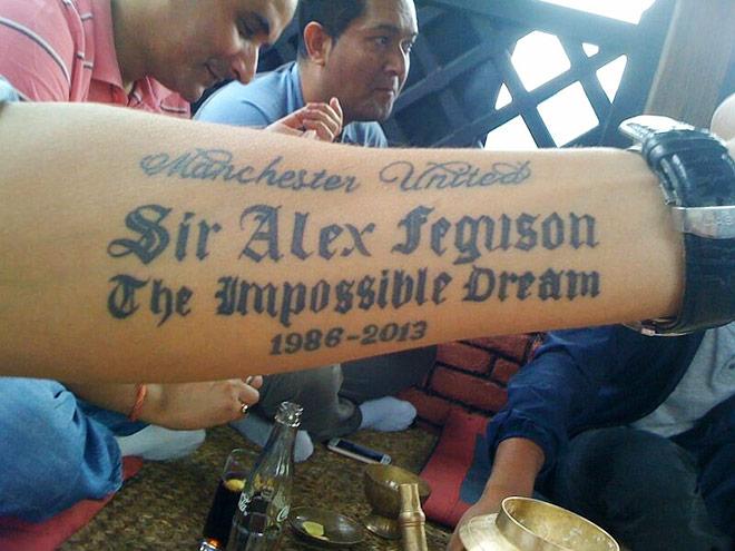 Всё бы хорошо, но в фамилии Фергюсона нерадивые мастера тату-салона пропустили букву R