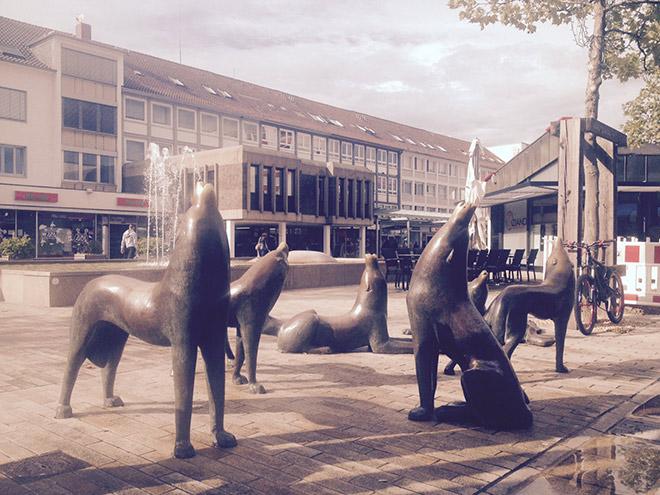 Памятник, посвящённый волкам
