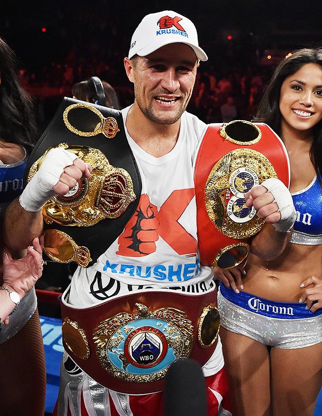 Ковалёв объединил чемпионские титулы WBA/WBO/IBF в полутяжёлом весе