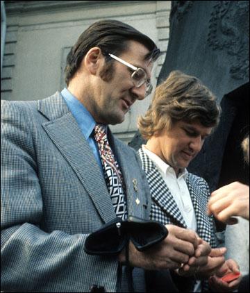 Руководитель профсоюза игроков НХЛ Алан Иглсон (слева) во время визита в Москву
