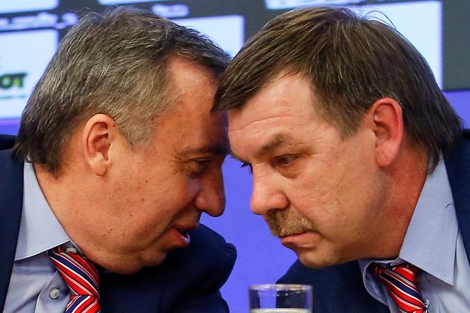 Олег Знарок и Олег Сафронов всегда готовы подставить друг другу плечо