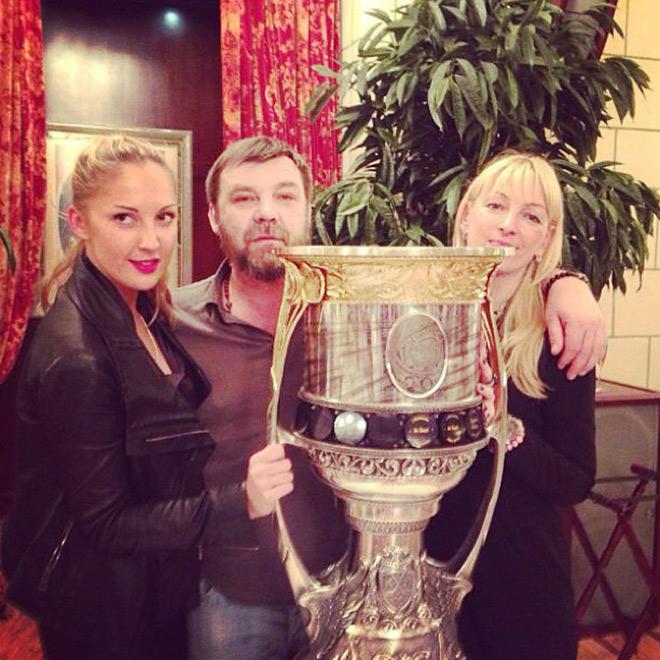 С женой Илоной и дочерью Алисой