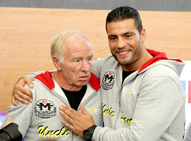 В 2012 году Белов готовил к бою за звание чемпиона мира по версии WBC в супертяжёлом весе сирийско-немецкого претендента Мануэля Чарра