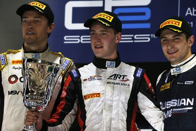 Палмер, Вандорн и примкнувший к ним Митч Эванс на подиуме GP2