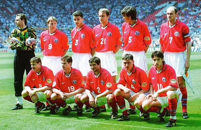 Красный вариант формы сборной России на Евро-96