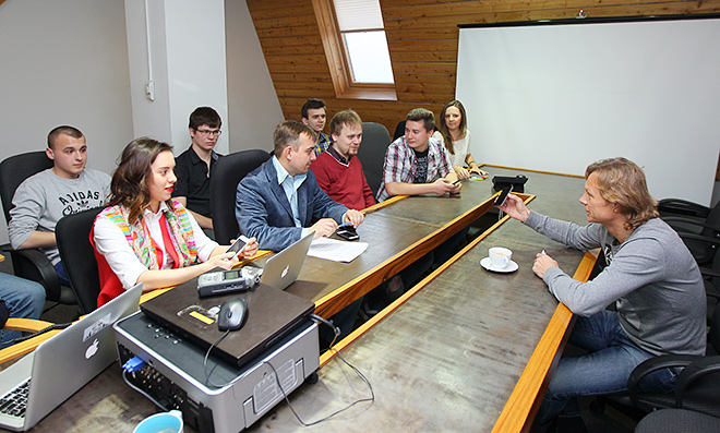 Валерий Карпин и журналисты