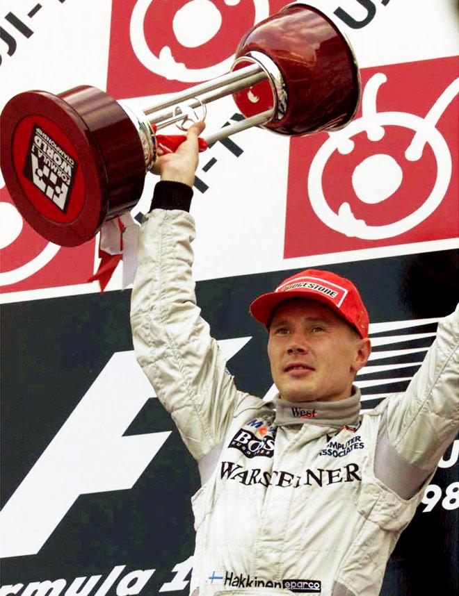 Хаккинен выигрывает гонку и титул