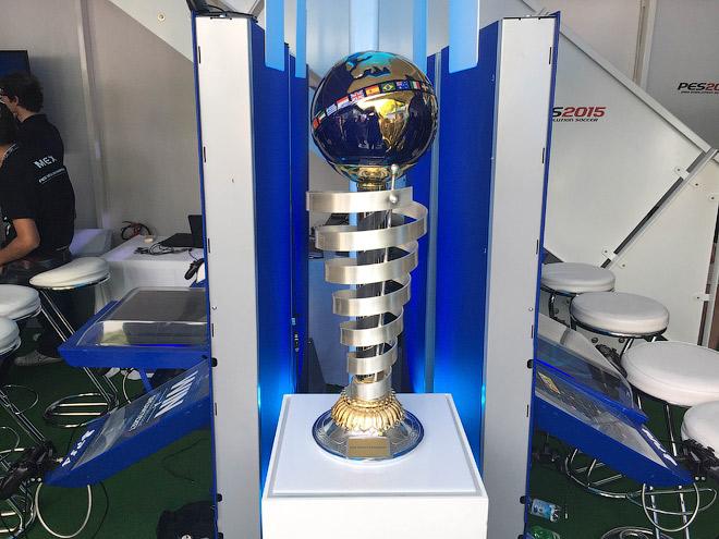 Кубок мирового победителя по игре Pro Evolution Soccer 2015