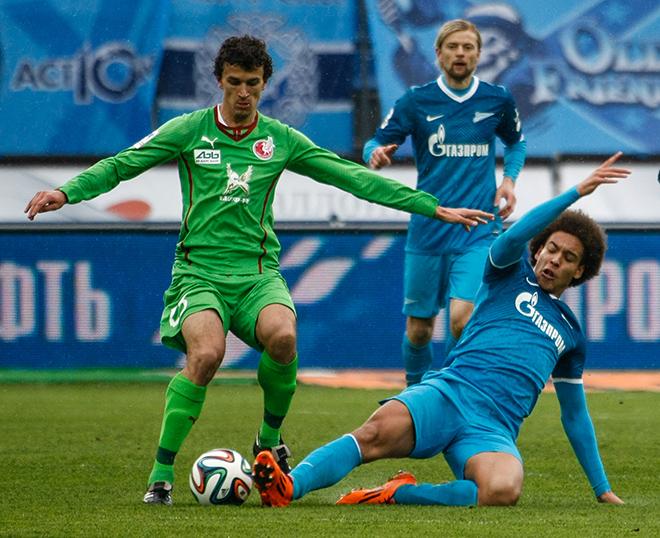 Роман Ерёменко в матче против «Зенита»