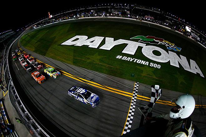 Сезон NASCAR традиционно стартует в Дайтоне
