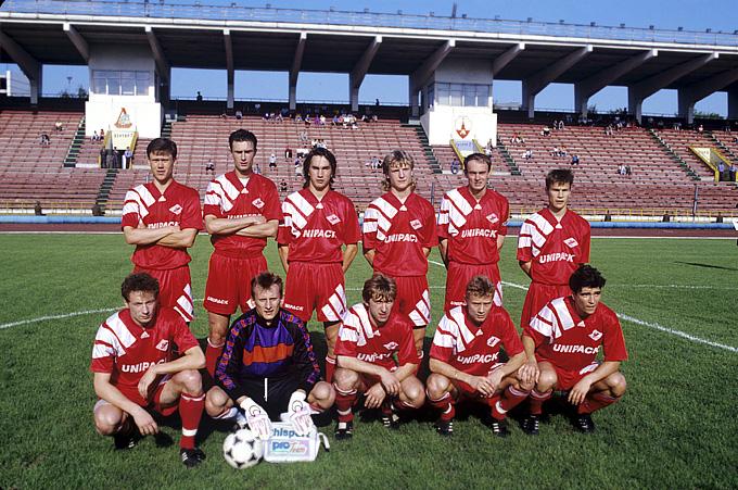 Спартак 90-х. Игорь Ледяхов - крайний слева