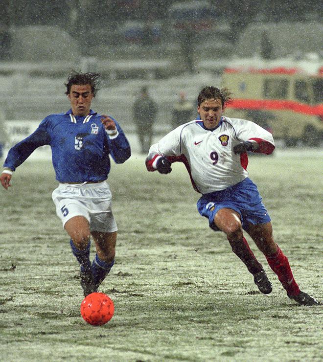 Основной комплект формы сборной от Nike 1997 года