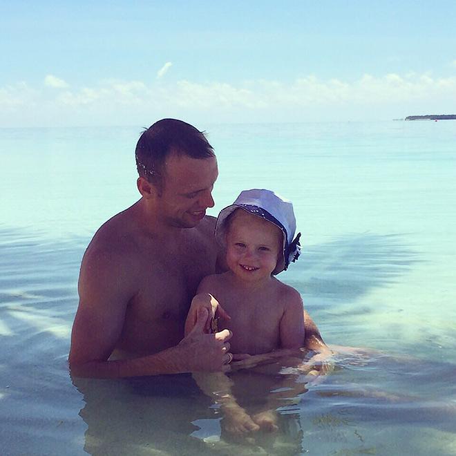 Денис Глушаков с дочерью