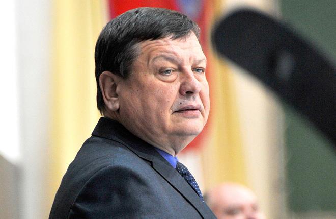 Новый главный тренер «Бурана» Сергей Карый. Тренер новый, а проблемы старые