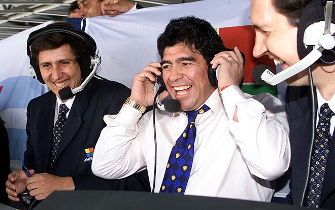 Окончательно завершив карьеру игрока, Марадона впервые попробовал себя в качестве спортивного комментатора и эксперта спортивных программ
