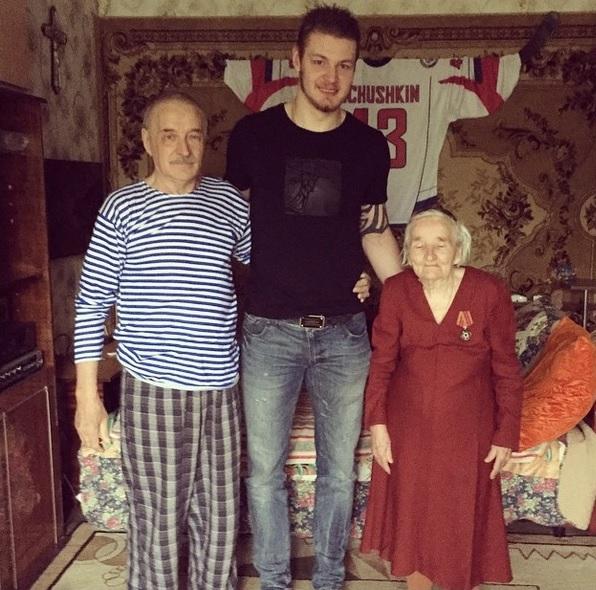 Валерий Ничушкин поздравляет всех с Днём Победы
