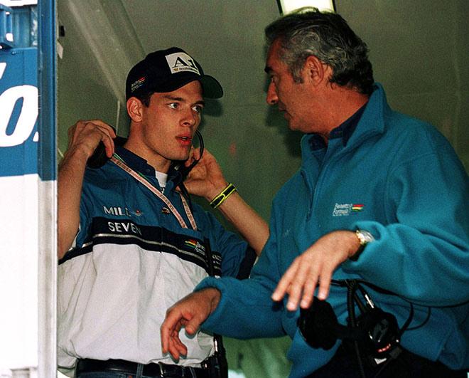 На Гран-при Австрии Бриаторе объявил о подписании контракта с Вурцем