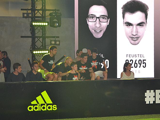 Зинедин Зидан с сыновьями