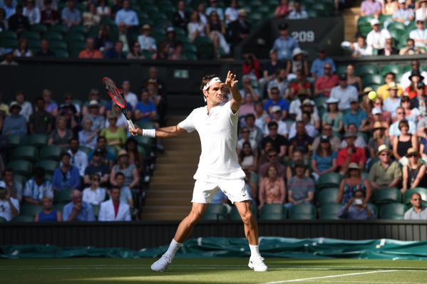 Роджер Федерер ведёт 6:2, 6:2, 3:2 в матче с Роберто Баутистой-Агутом.