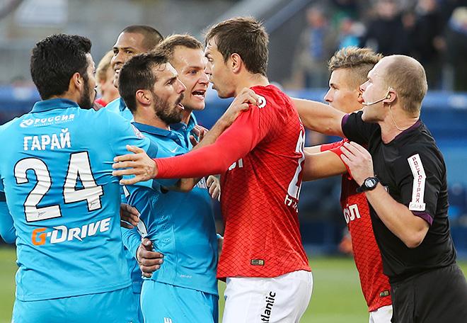 Артём Дзюба в матче против «Зенита»