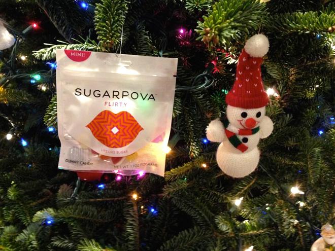 Twitter Мария Шарапова больше использует для продвижения конфет Sugarpova