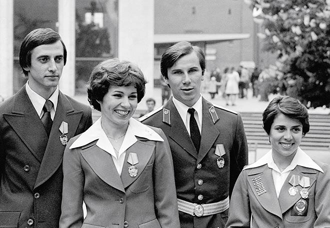 Горшков, Пахомова, Зайцев и Роднина после вручения правительственных наград в Кремле