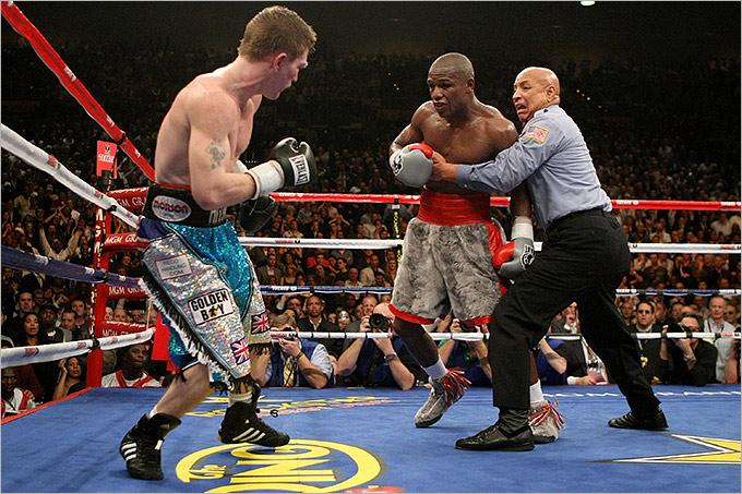 2007 год. Поединок за титул WBC в полусреднем весе. Соперник: Рикки Хаттон (Великобритания). Результат: победа техническим нокаутом в 10 раунде.