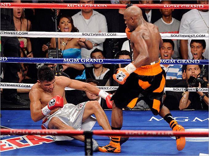 2011 год. Поединок за титул чемпиона мира по версии WBC во втором полусреднем весе. Соперник: Виктор Ортис (США).Результат: победа нокаутом в 4 раунде