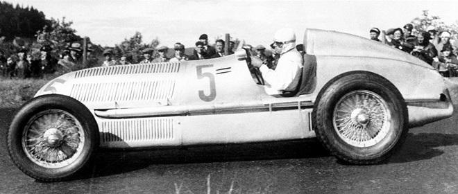 Рудольф Караччиола был одним из самых аккуратных и точных гонщиков своего времени