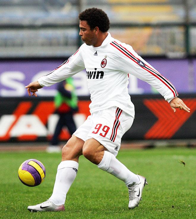 Роналдо, «Милан» – № 99