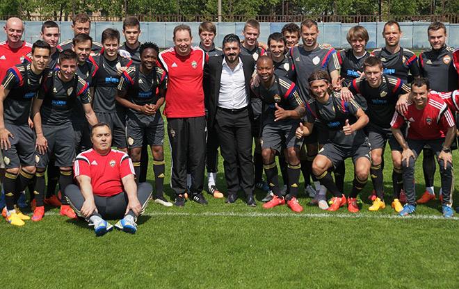 Дженнаро Гаттузо на тренировке ЦСКА. Фото на память