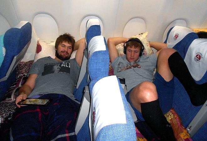 Иван Касутин и Владимир Галузин во время трансконтинентального перелёта во Владивосток