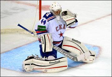Дмитрий Шикин в воротах СКА