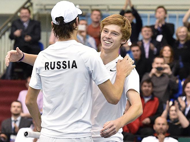 Рублёв и Кравчук выиграли важный парный матч