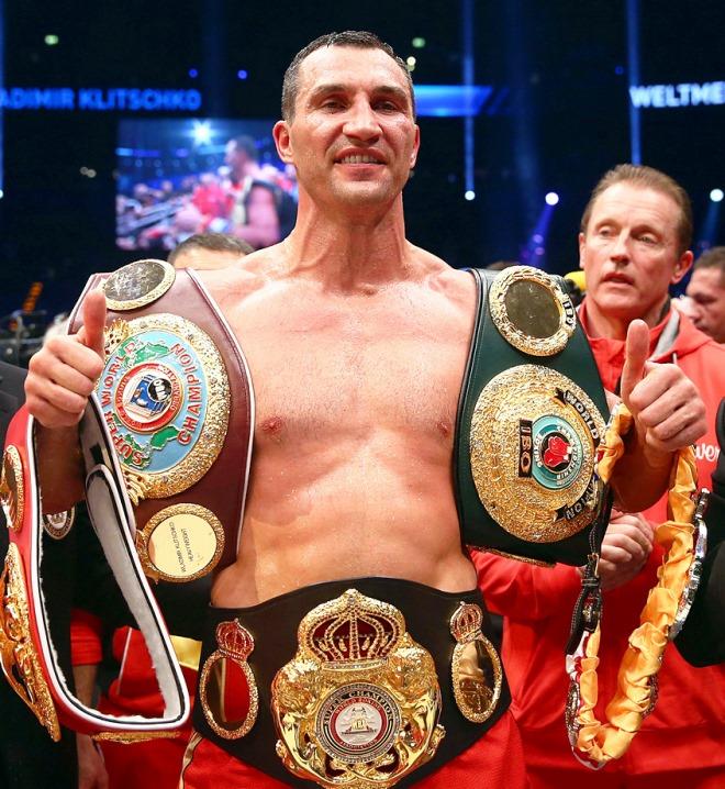 Кличко отстоял звание чемпиона мира в супертяжёлом весе по версиям WBA, IBF, WBO, IBO и журнала The Ring